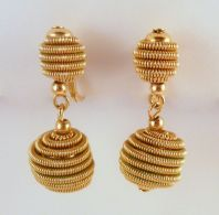 Vintage Monet Twisted Rope Design Drop Clip On Earrings.